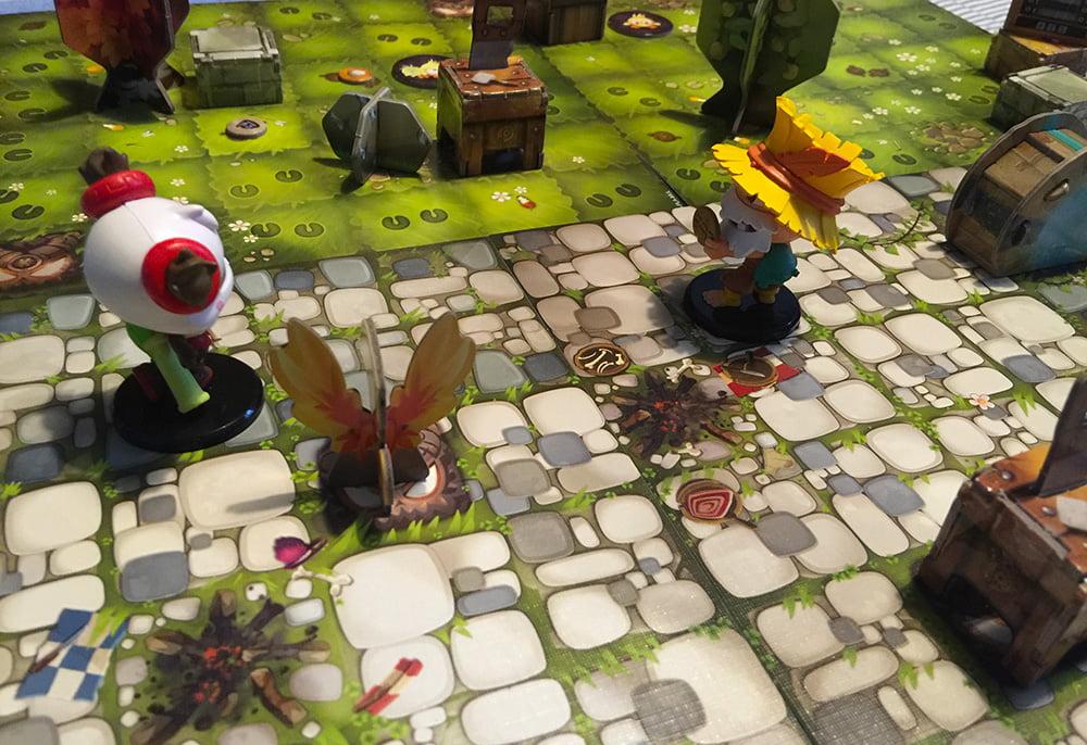 La partita è appena iniziata: i nostri Krosmaster sono ancora in città, ma mille avventure li attendono nei prati e nei boschi che la circondano.