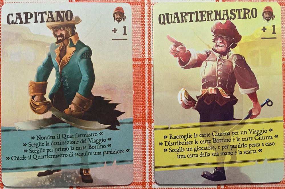 Ecco il Capitano e il Quartiermastro: queste due carte non vengono mescolate al resto del mazzo Ciurma.