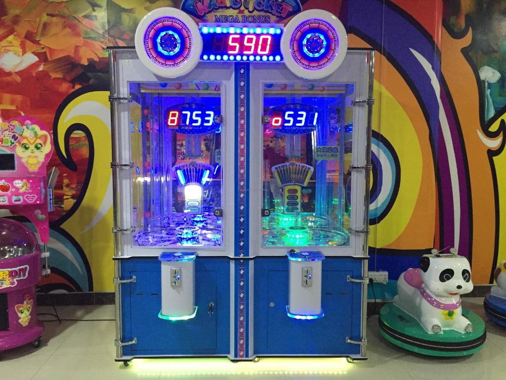 """Le macchine di ticket redemption si mescolano alle giostre. Un vero cavallo di troia in grado di """"produrre"""" futuri utenti slot/VLT."""
