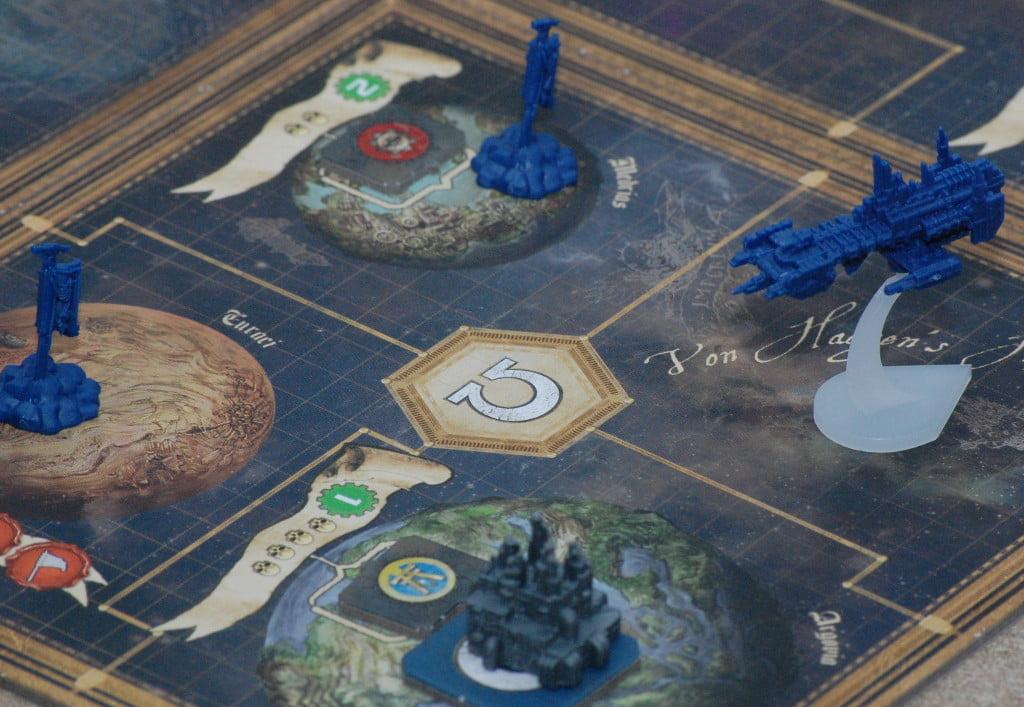 """Sistema dsolare di partenza: La presenza è massiccia, ma non è escluso che nel giro di qualche turno il giocatore preferisca """"migrare"""" verso altre zone della mappa."""