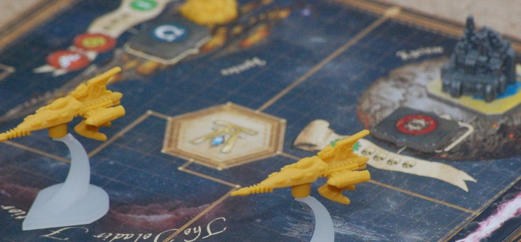 GLi eldar affidano alle astronavi la loro principale forza di attacco. L'impatto grafico, per essere un gioco strategico è davvero molto elevato.