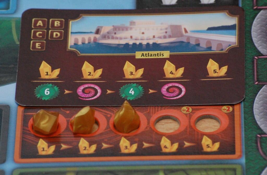 Le carte avventura garantiscono bonus progressivi, in base ai cristalli arancioni posseduti sulla scheda personaggi.