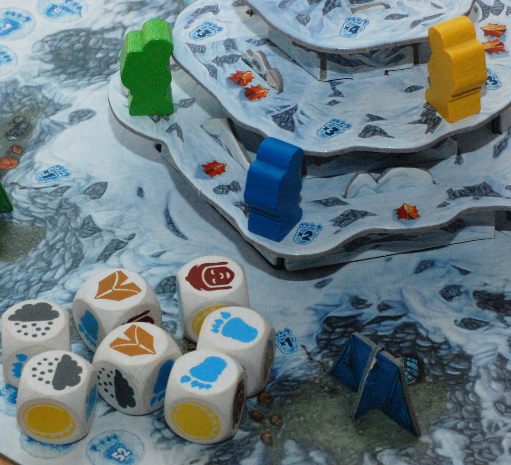 """Una risoluzione da manuale per il giocatore Blu, nonostante 2 risultati """"neve"""". Sale di un livello prende 6 punti vittoria e si accampa a livello """"2"""""""