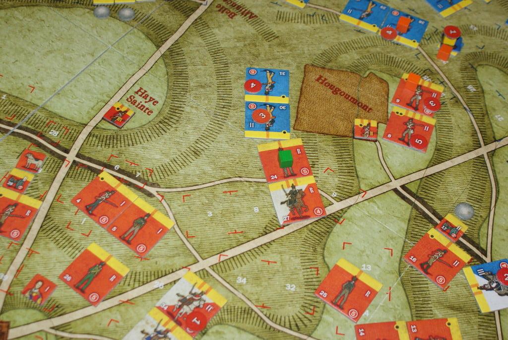 La cavalleria inglese contrattacca e causa ingenti perdite alla fanteria francese