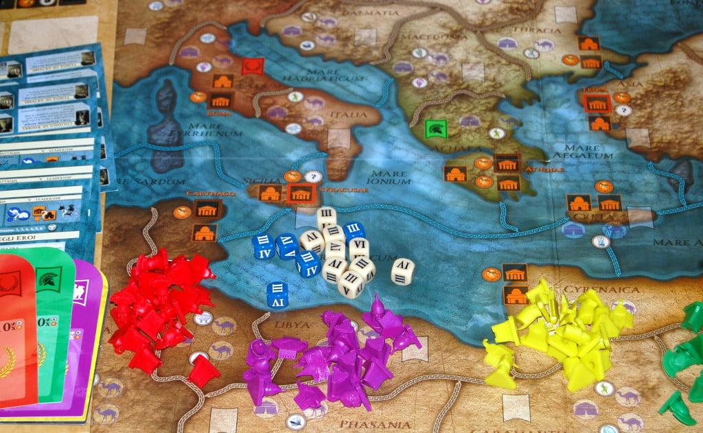 Fazioni e dadi: nononostante i classici elementi il gioco è molto originale