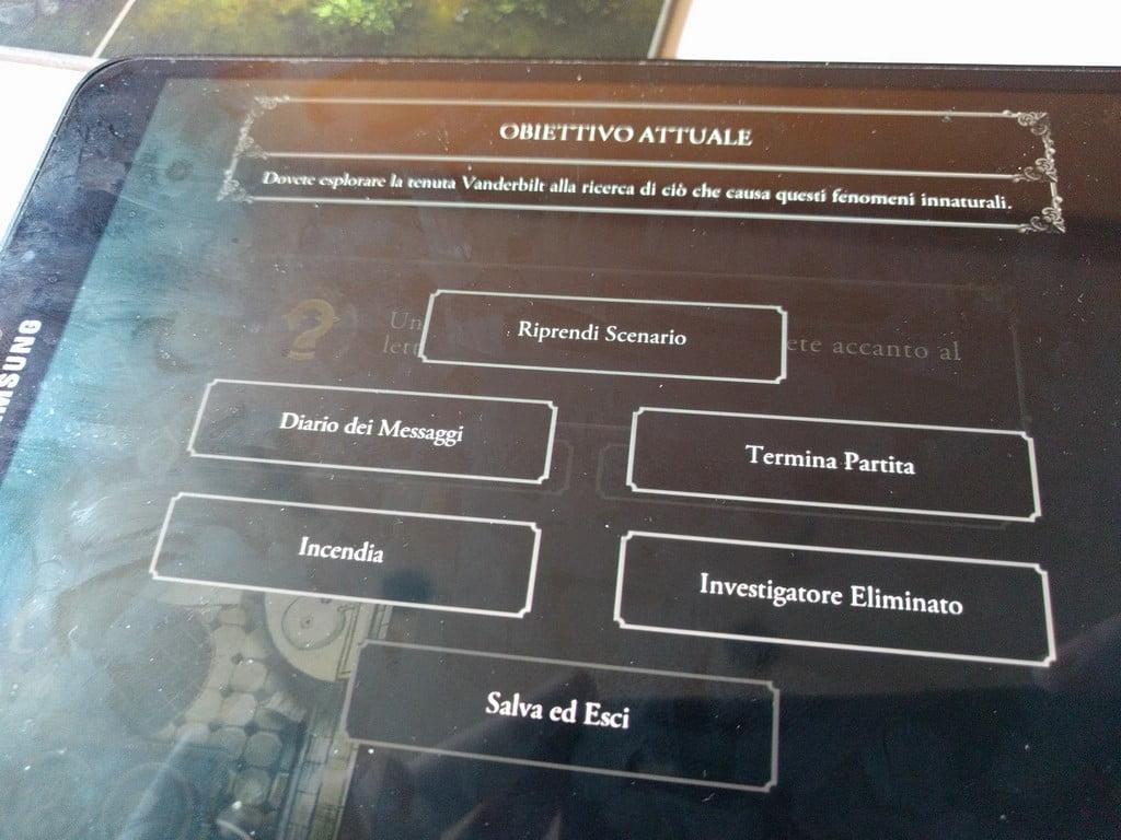 Durante la partita è possibile accedere a un menu con alcune funzioni molto utili, come il log di tutti i messaggi.