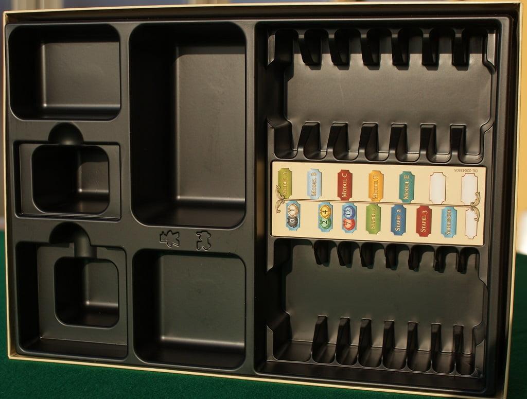 Il termoformato per tenere in ordine le carte