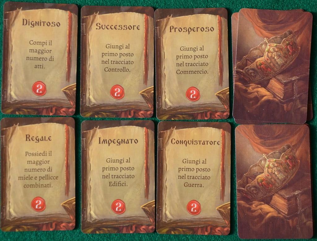 """Un esempio di carte """"Agenda"""", ognuna delle quali, come si vede, se soddisfatta assegna 2 PCV al suo possessore"""