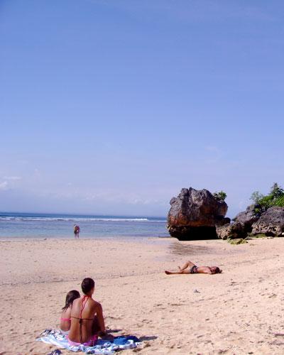 padang-padang-beach-2