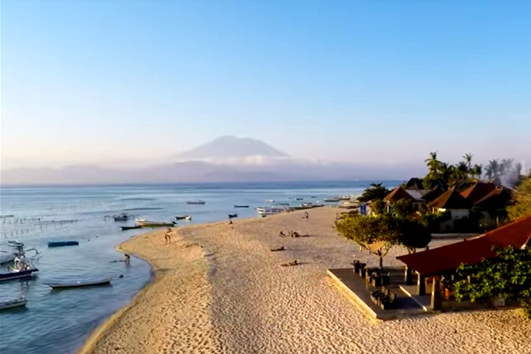 nusa-lembongan-jungut-batu-beach