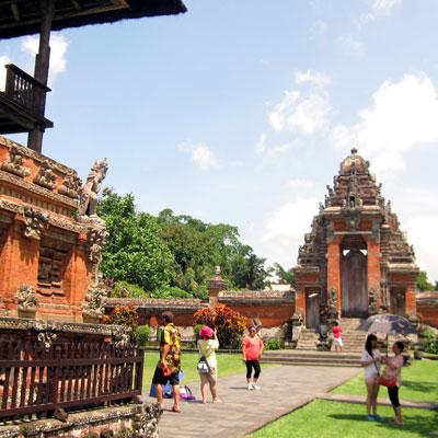 visite-des-temples-taman-ayun-bali