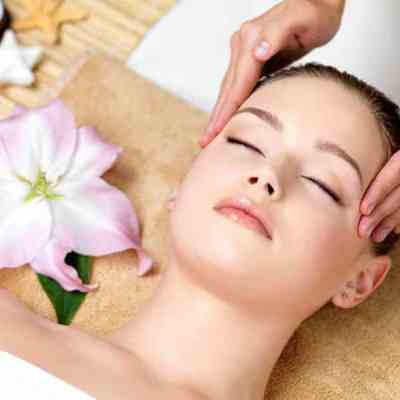 The VTCT Head Massage Level 2 Awards course at the Bali BISA spa,massage & beauty training school and centre provides skills for therapeutic & relaxing head massages.
