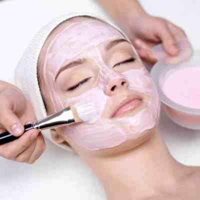 This facial course at the Bali International Spa Academy (BISA) teaches novice to experienced therapists, aestheticians and skin care specialists how to give facials up to international standards with recognized certification.