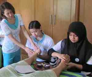 itec Bali course at bisa - reflexology