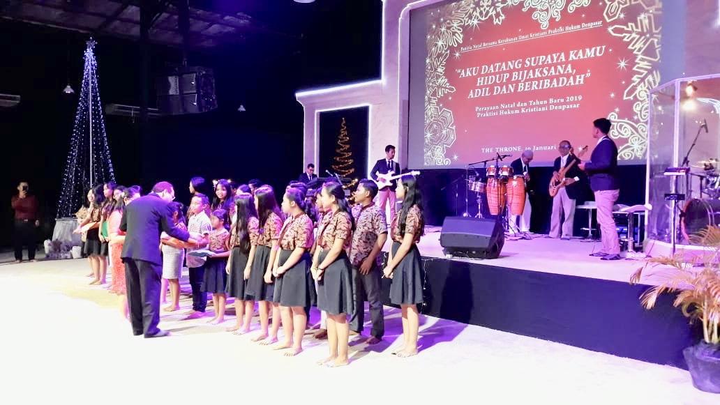 "Perayaan Natal Kerukunan Praktisi Hukum Kristiani Denpasar, ""Pentingnya Penyeimbang Godaan Duniawi"""