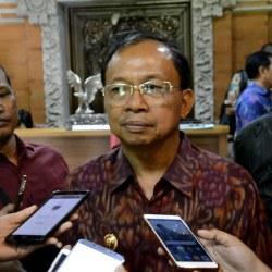 Gubernur Koster Ingin Pendapatan Kabupaten/Kota Optimal Dengan PHR Online