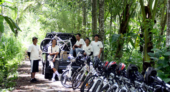 bali hai bike tour team