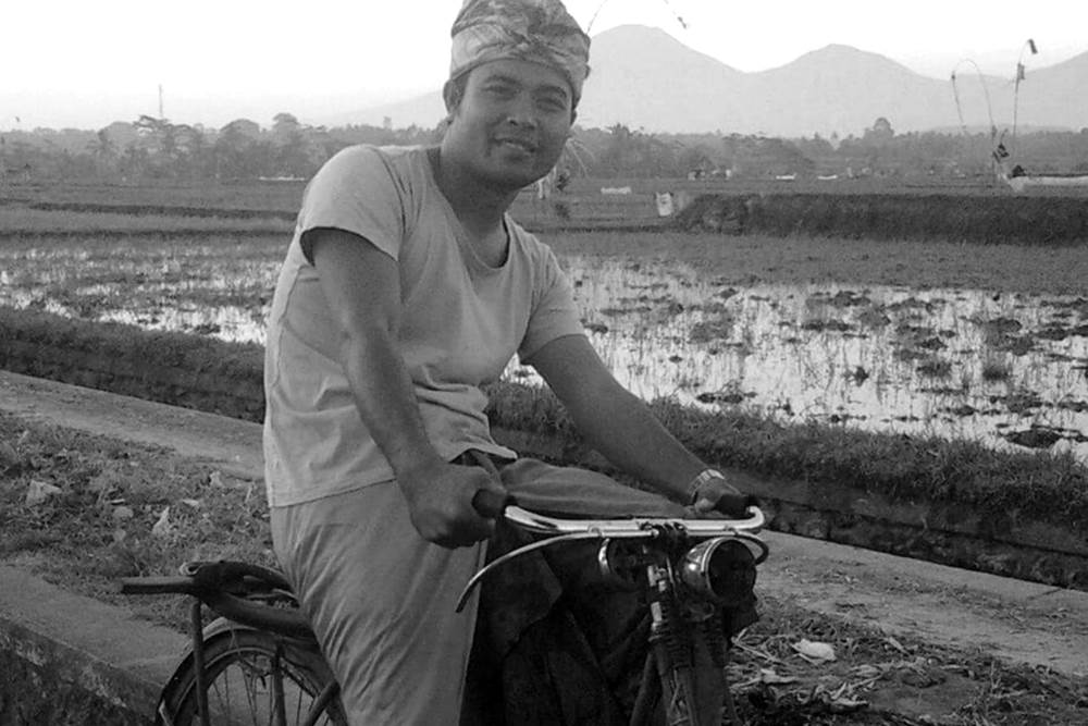 Having Tour in Bali by Riding The Vintage Bicycle 05