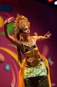 dwibhumi balinese dans oleg tambulilingan tong tong fair