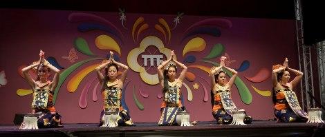 balinesedansgroepdwibhumi-taripujabhumi-tongtongfair2015