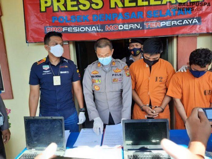 Tersangka Denny Hidayat (24) dan Oki Santoni (23), keduanya asal Mataram Nusa Tenggara Barat (NTB) kini mendekam dalam tahanan Polsek Denpasar Selatan