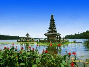 ulun danu, bali, bedugul, beratan, temples, ulun danu temple, bedugul bali, places, places of interest, lakes, temple on lake, bali temple on lake