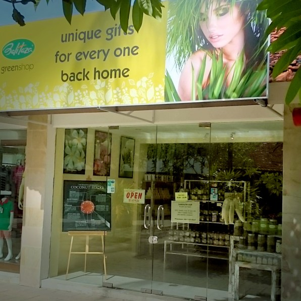 03_Google+_Posting_NusaDua_store_with_qrcode