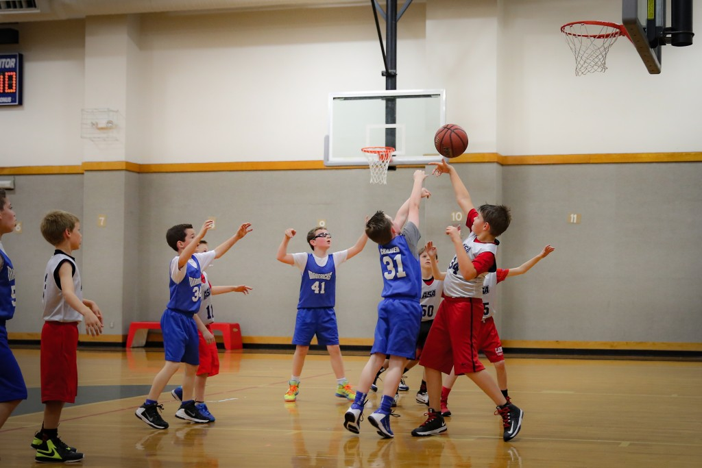 Indoor Basketball Picture with Canon 24-70 Lens