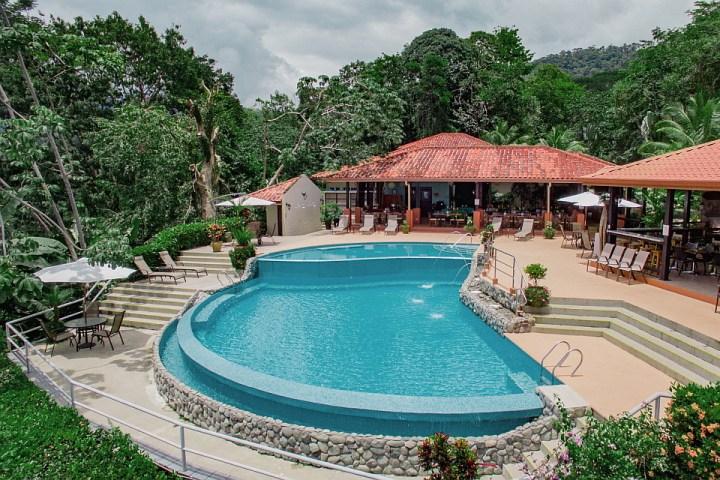 Vista Ballena Hotel . restaurant mi amore, sunset view bar, pool, bar de la puesta de sol,