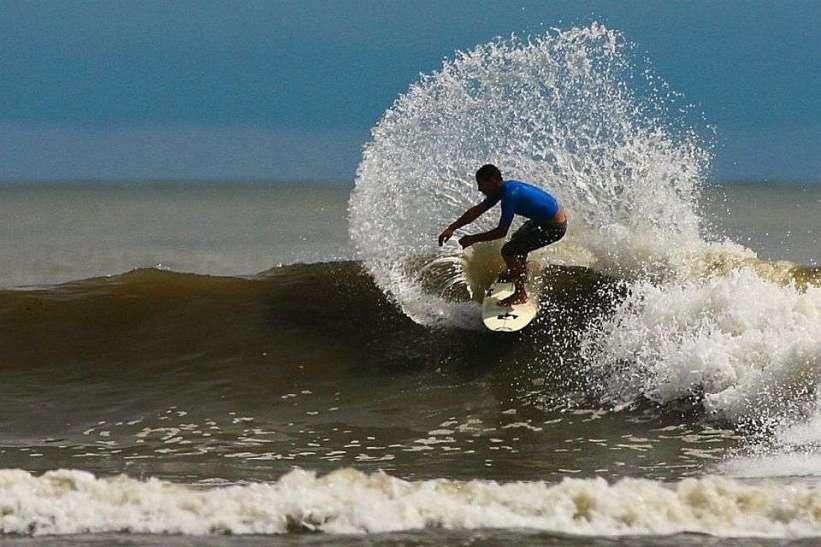 surf in costa ballena