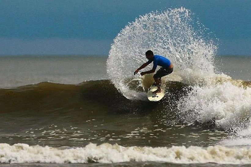surf in costa ballena