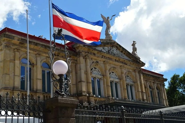 The 15th of September is the Costa Rican Independence Day. From among the secular holidays, it's probably the most popular, and it is robustly celebrated. The great thing about Costa Rica's Independence is that it was achieved without firing a shot, and in fact, Costa Ricans did not know about it until about a month after it happened. There was no internet at that time.