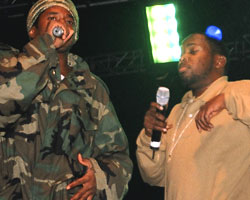 Q-Tip and Phife Dawg reunite on stage at 2004 Rock The Bells (Photo: BallerStatus.com / file)