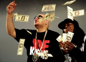 "Icee Fresh's piece on Fat Joe's neck in the ""Make It Rain"" video."