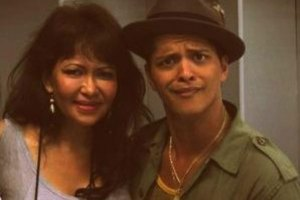Bruno Mars with his mother, Bernadette Hernandez.