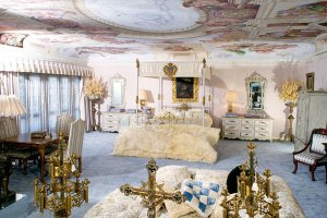 Vintage Look At Liberace's Homes