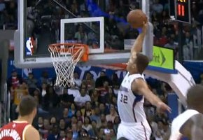 NBA Ballin: Blake Griffin Rises Up For One-Handed Alley Oop