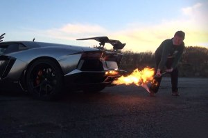 Cooking Christmas Turkeys With A Lamborghini Aventador