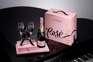 Moët & Chandon Rosé x Tyrsa 'Link Your Love Rosé' Pack