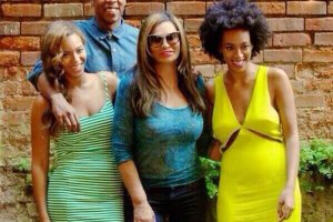 Jay, Beyonce, Solane and mother Tina Knowles dined at Café Amelie