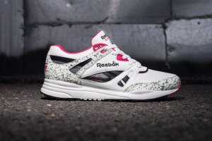 Reebok Ventilator 'White/Pink/Black'