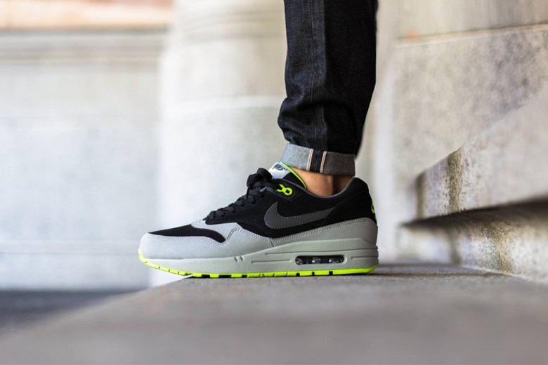 Nike Air Max 1 - Grey/Black-Volt