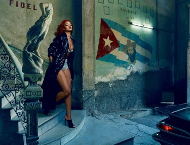 Rihanna Covers November Issue Of Vanity Fair