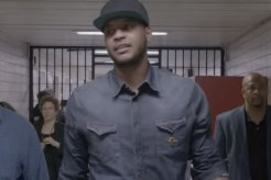 Carmelo Anthony Visits Rikers Island
