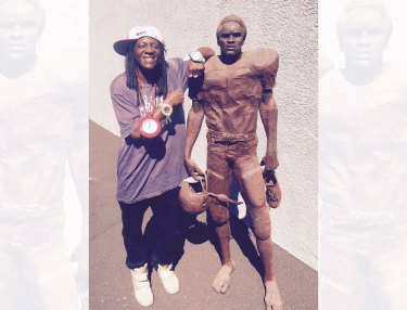 Flavor Flav and O.J. Simpson statue