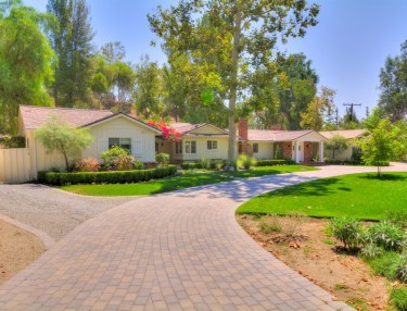 Drake Buys Neighbor's House in Calabasas, CA
