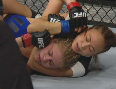Paige VanZant Loses Via Submission to Michelle Waterson at UFC Fight Night