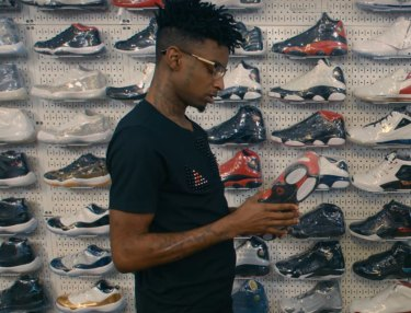 21 Savage Goes Sneaker Shopping