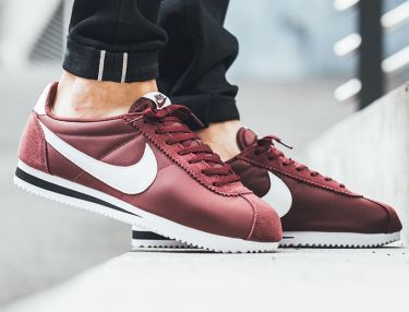 Nike Cortez Dark Team Red