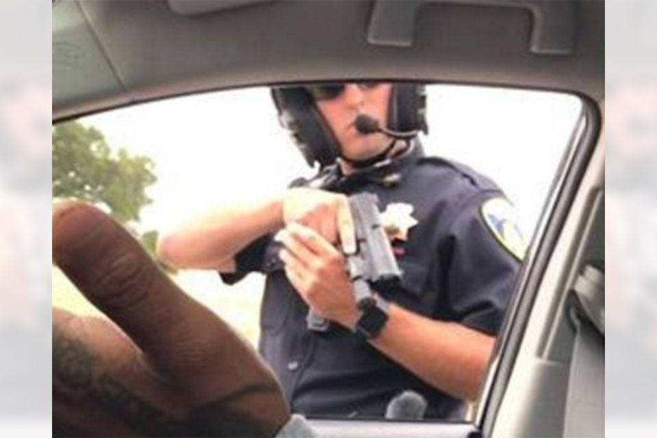 Cop Pulls Gun on Guy For 9 Minutes For Speeding